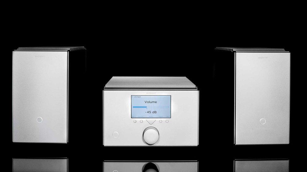 <b>HEISENBERG Mono Power Amplifiers and STERN Preamplifier (horizontal model)</b>