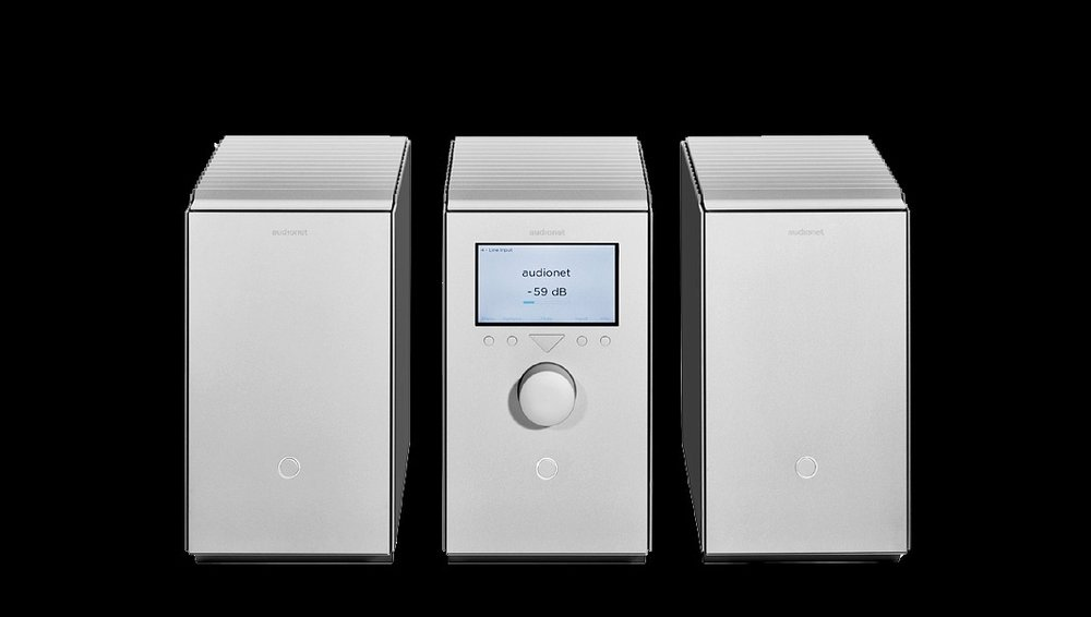<b>HEISENBERG Mono Power Amplifiers and STERN Preamplifier (vertical model)</b>