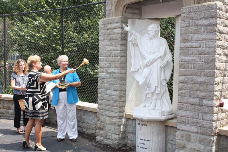 Statue Dedication.August 15.2010 080.jpg