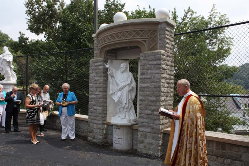 Statue Dedication.August 15.2010 078.jpg