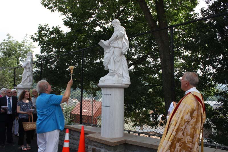 Statue Dedication.August 15.2010 087.jpg