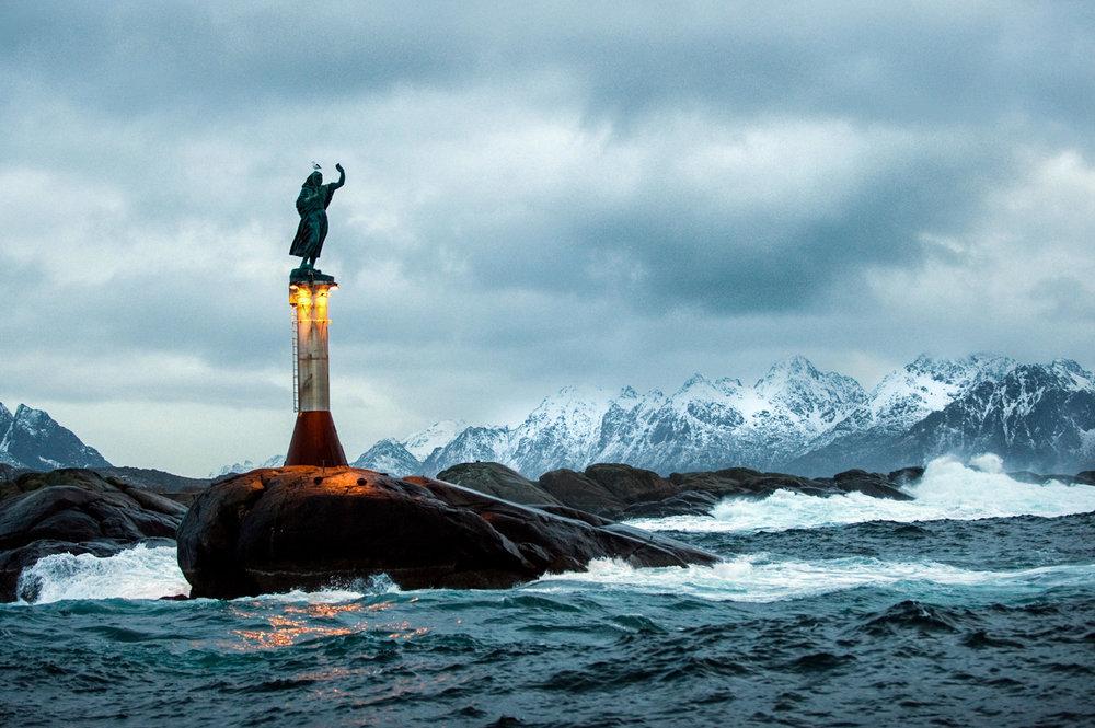Welcome to the Lofoten Islands    GUIDE    MENU