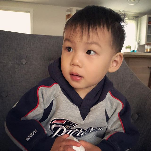 Sunday Funday! 🏈  Ready to root on his favorite team! He was supposed to be born on superbowl sunday but came a week early so he can watch the Pats play with Daddy! 💙 . . . . . #ouiouibebe #sundayfunday #football #footballseason #littlepatsfan #patriots #patsnation #mommyblogger #momblogger #babyblog #babyboy #momofboys #momlife #lifestyle #instamom #blogger #babylist #thebump #babylistbabes #instababy #babiesofinstagram