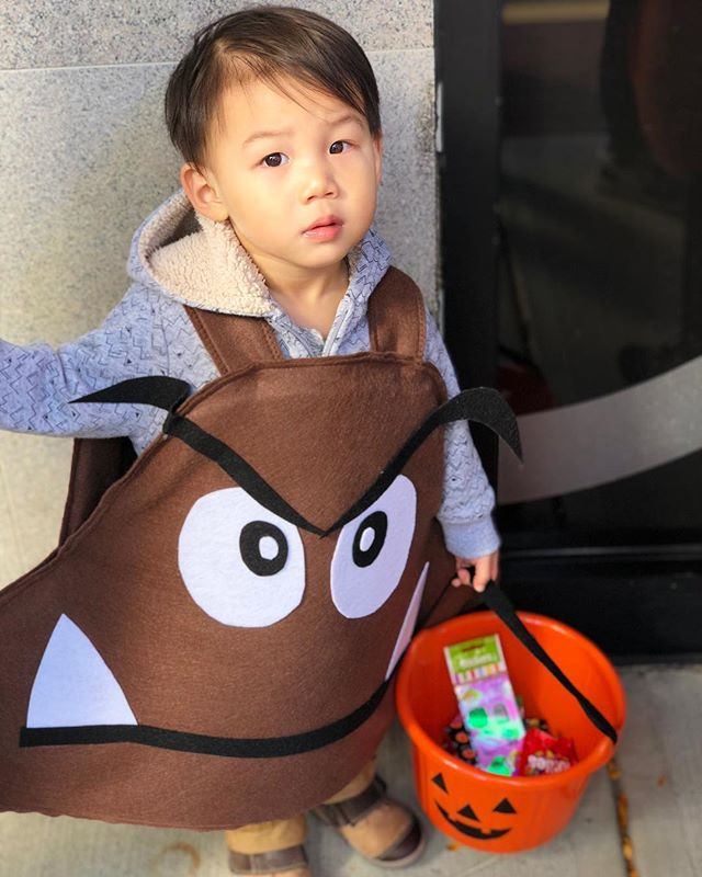 Trick-or-treat! Had so much fun at Trick or Treat at The Street. It was our first year going and had lots of fun filled with music, lots of awesome costumes, and of course cant forget the 🍭🍫🍬 . . . . . #ouiouibebe #diy #halloweencostumes #goomba #mariobros #halloween #trickortreat #candy #pumpkin #momlife #momblogger #mommyblogger #babyboy