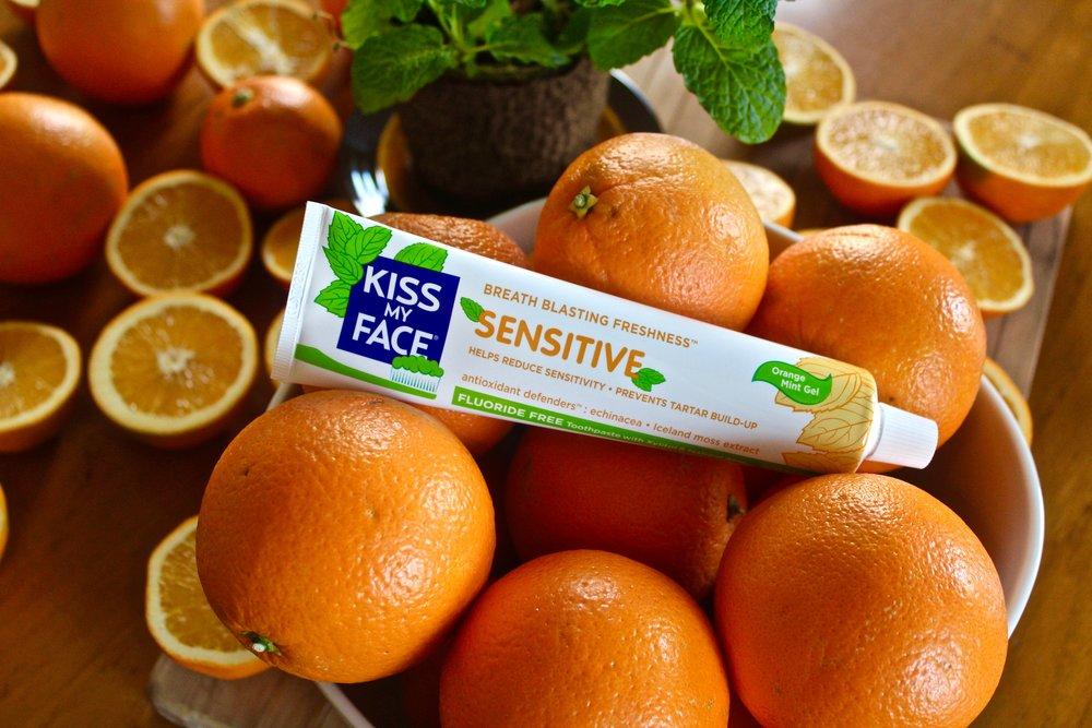 Toothpaste_Sensitive_2.jpg