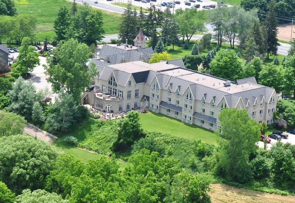 The Elm Hurst Inn