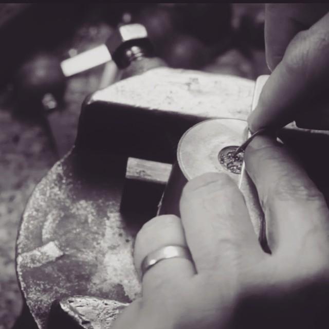Hand Carving Daisy Die.jpg