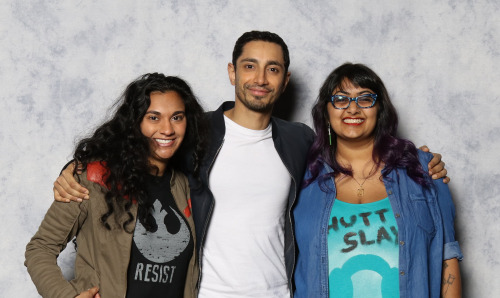 Swapna (L) and Preeti (R) in a posed photo with Riz Ahmed.