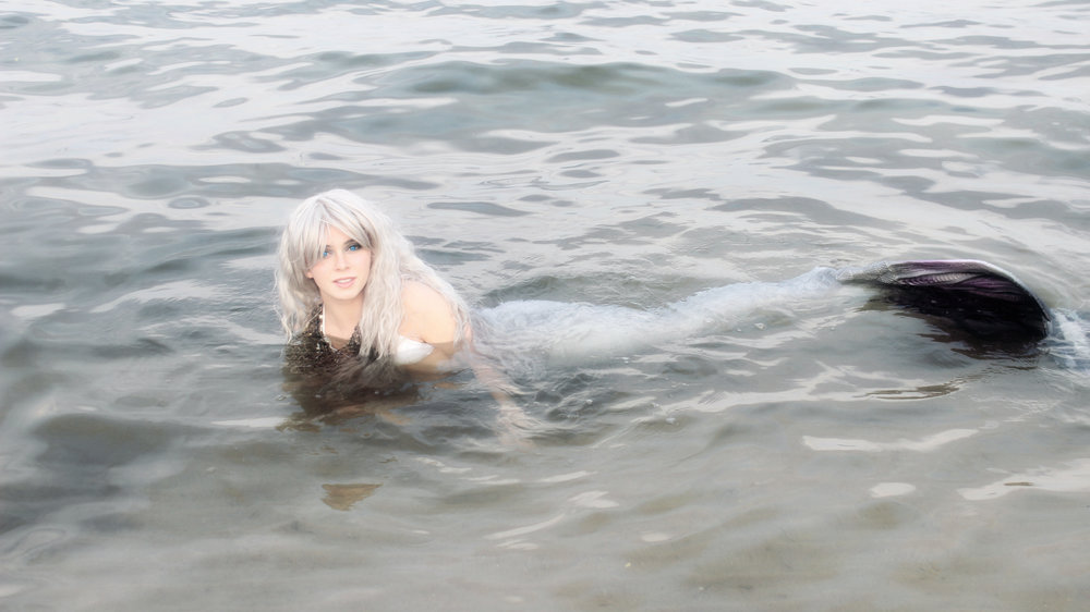 Fairy Tale Mermaids: Mermaid Phantom is swimming in the Great Lakes. She lives in Lake Michigan and was caught on camera here. Despite her odd name, she is very friendly towards humans!