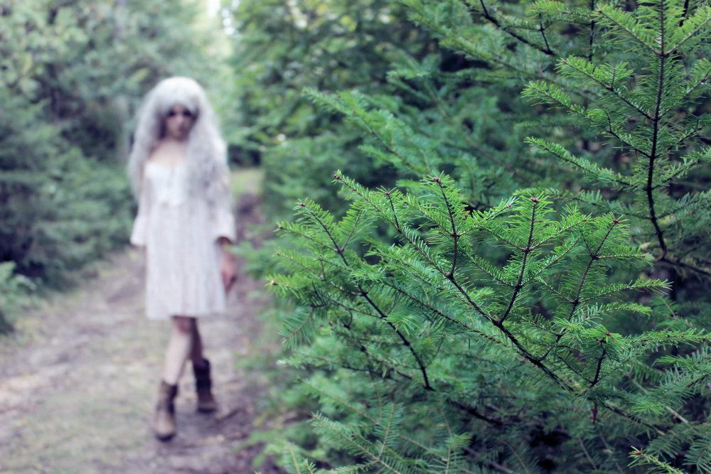 mermaid-phantom-walking-in-the-woods-themagiccrafter.jpg