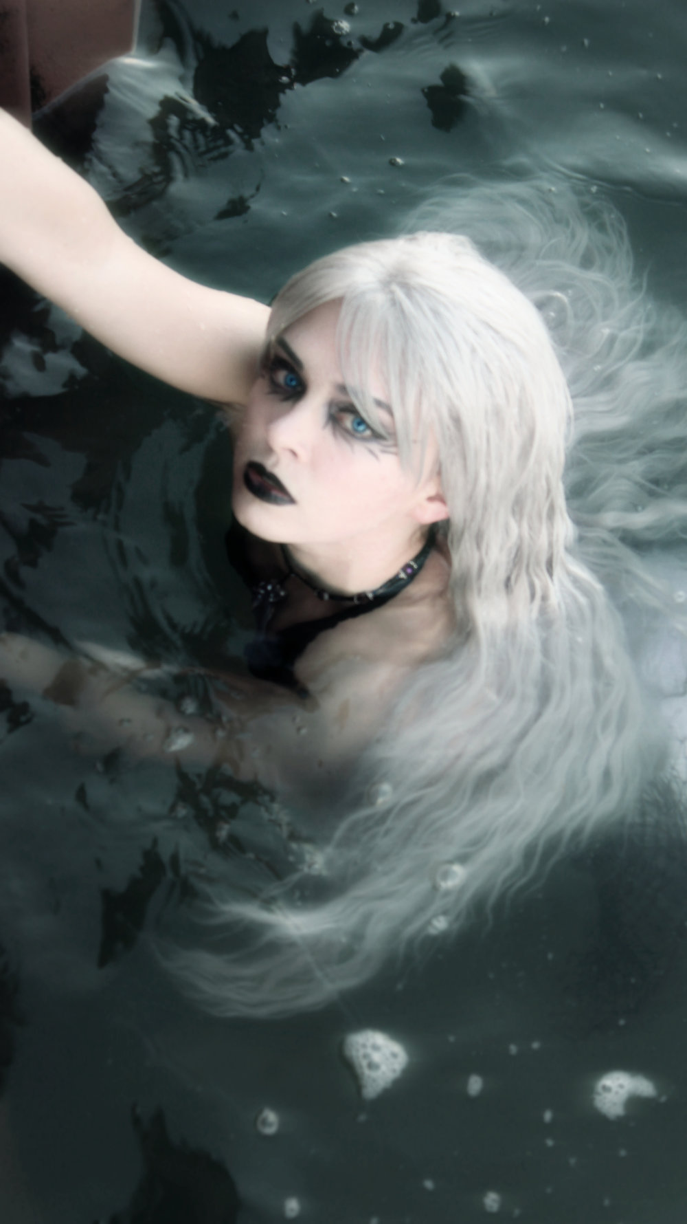 Phantom-sinking-mermaid-siren-in-the-water-goth-GHOST.jpg