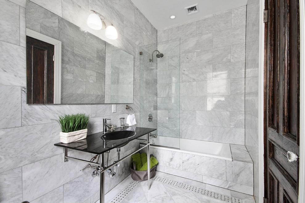 Large, Immaculate Bathroom