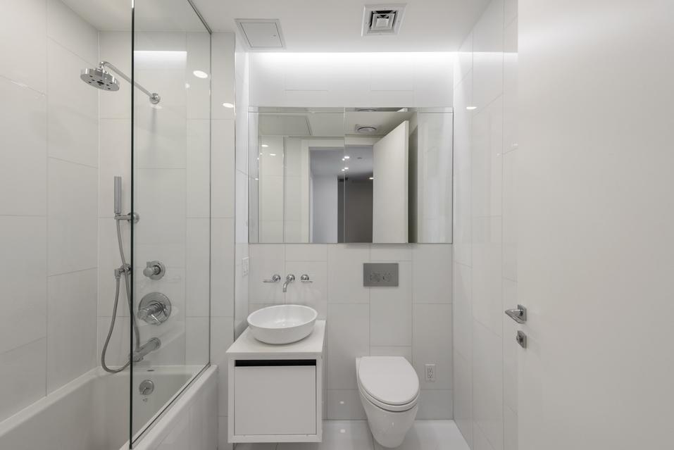 Alternate view of spotless bathroom