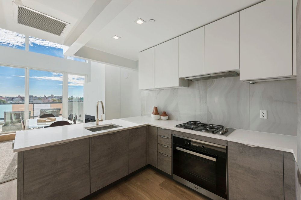 Brooklyn Apartment boasts Modern Kitchen