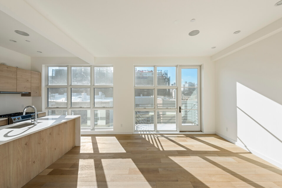 404 GRAND STREET BROOKLYN UNIT PH 4B__1_resize.jpg