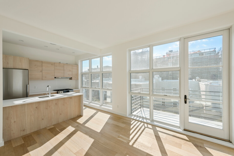 404 GRAND STREET BROOKLYN UNIT PH 4B__2_resize.jpg