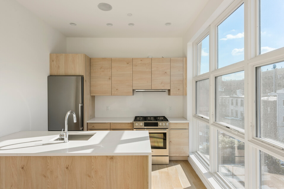 404 GRAND STREET BROOKLYN UNIT PH 4B__3_resize.jpg