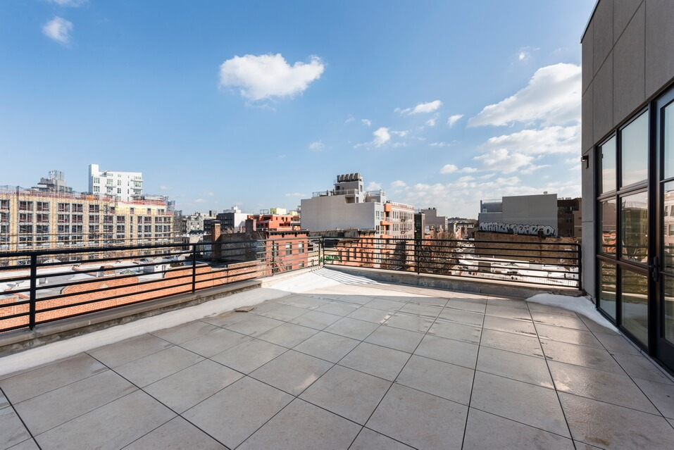 404 GRAND STREET BROOKLYN UNIT PH 4B__9_resize.jpg