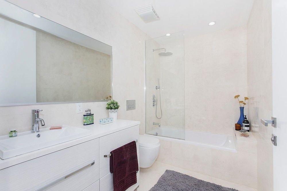 Exquisite Sink and Bath Installation