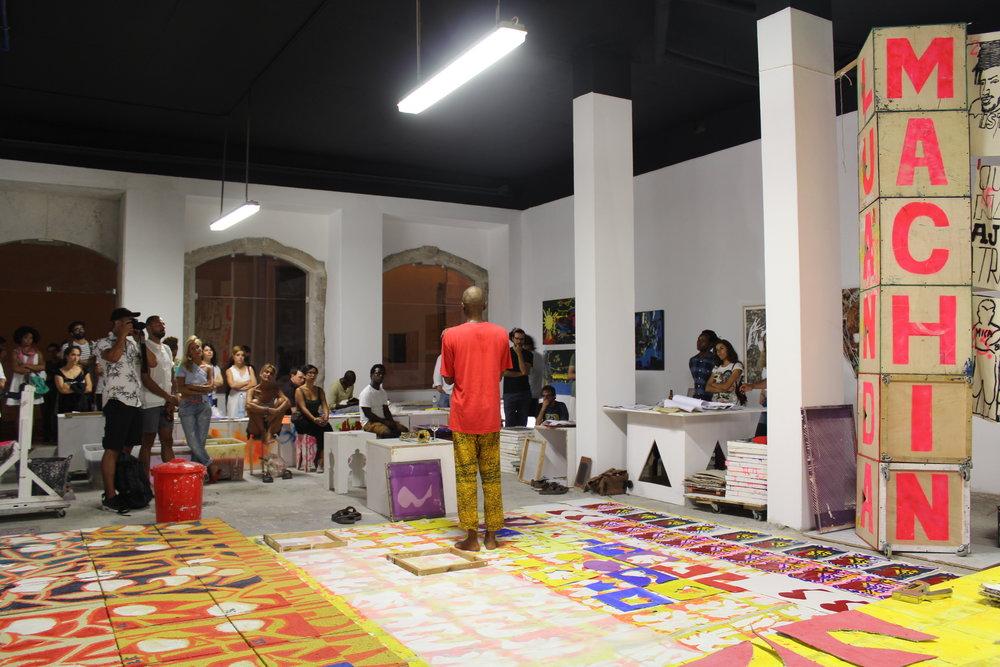 AGO 2016 - Primeira atividade junto a comunidade local dentro da residência artística - DIY   Serigrafia Experimental    AGO 2016 - Vidal's first activity inside Wozen's residency, DIY - silkcreen