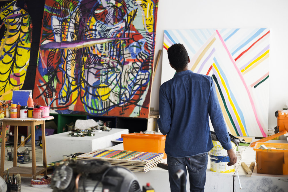 "OUT 17: Vidal em produção para segunda parte de sua exposição ""Luuanda Rising""   OCT 17 - Vidal in progress for the second part of his exhibition ""Luuanda Rising""     photo: Maju Reis"