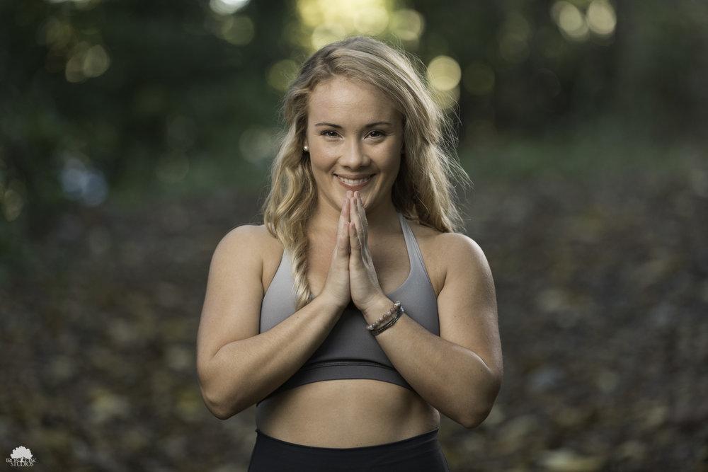 IRONOAKSTUDIOS_Leahelizabeth_outdoor_yoga-1.jpg