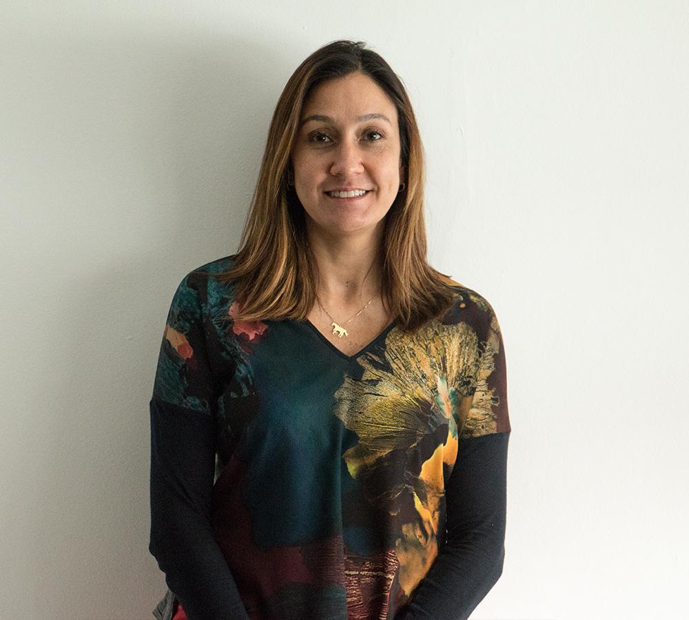 Letícia Thenard   Diretora de JLR