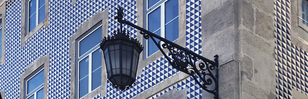 LusitanoStudio_LisbonTiles_BlueWhiteNarrow.jpg