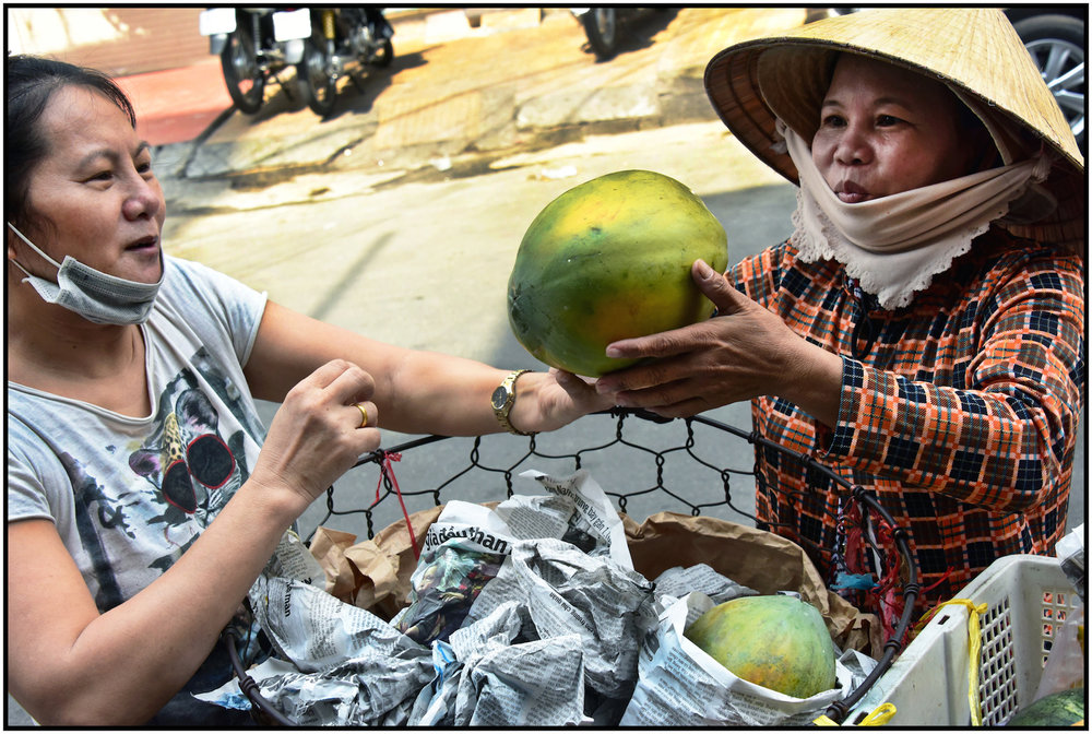 Vendor sells coconut, Bui Vien St., Saigon/HCMC, Dec. 2015. #3556