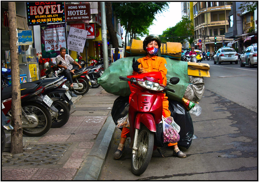 City worker collects recyclables, Saigon/HCMC, Dec. 2015. #5223