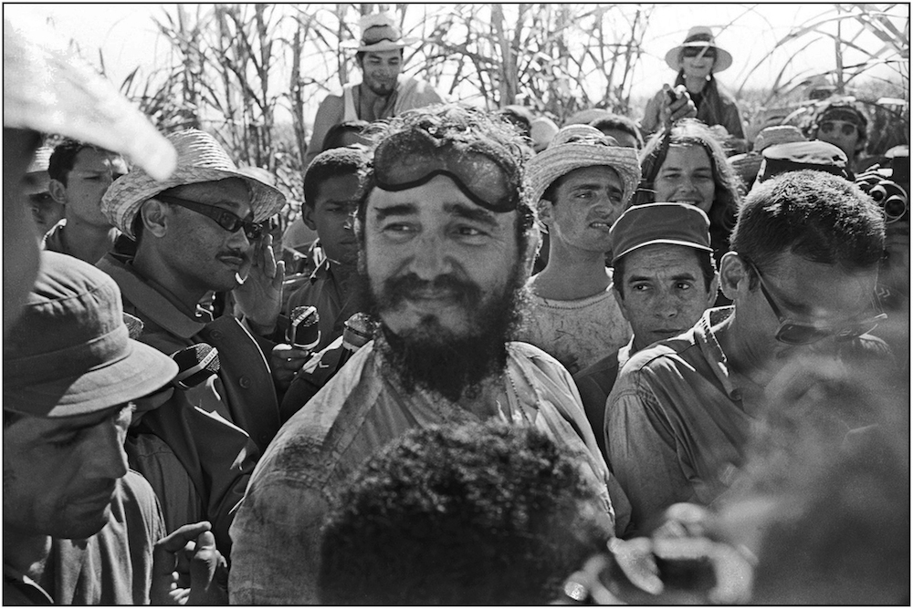 FIDEL CUTC CANE WITH BRIGADISTAS  FIRST VB  1969   George Cohen    copy.jpg