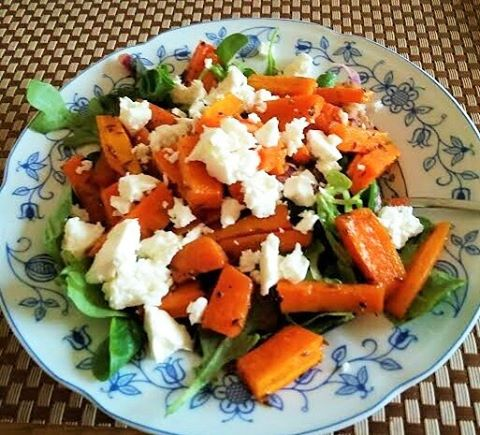 What we're having for lunch today Puy Lentil, Spiced Roast Carrot and Feta Salad, Recipe available on www.fitvision.ie 👍 👌  #fitness #fit #fitvision #irishfitfam #fitfam #motivation #training #results #progress #wellness #lifestyle #feelgood #healthy #exercise #workout #optimum #lunch #food #foodie #wellbeing #Feta #carrots #lentil #salad