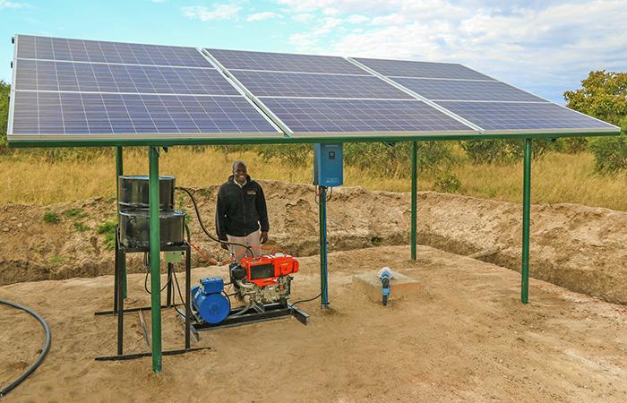 solar-hybrid-pump-in-Hwange-National-Park-700x450px.jpg