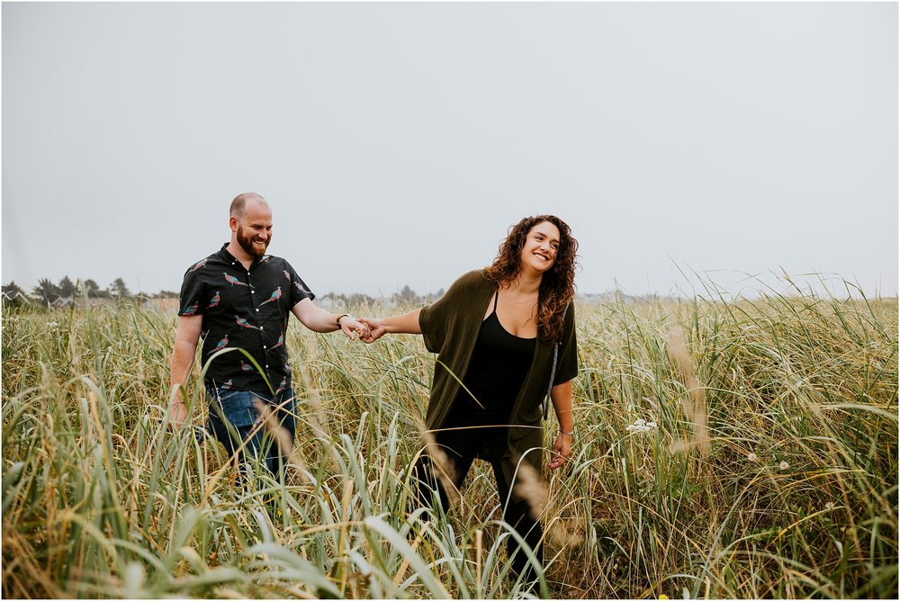 NAte+Hannah_AdventureCoupleSession_Oregon_Edit-24.jpg
