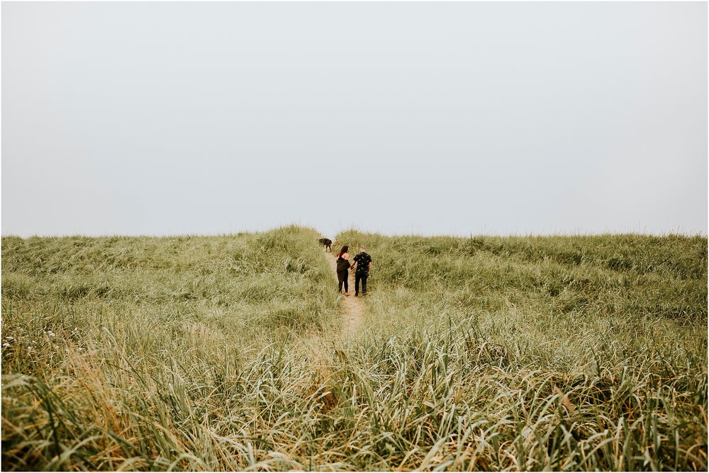 NAte+Hannah_AdventureCoupleSession_Oregon_Edit-25.jpg