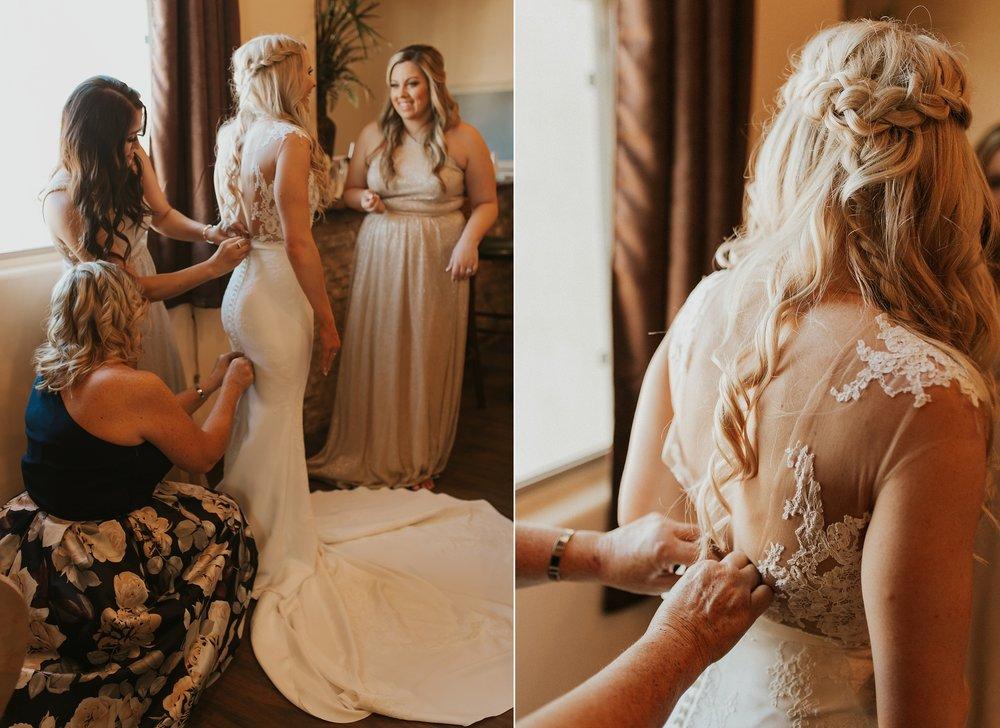 Meg+Bubba_Wedding_GettingReady_Arizona-340.jpg