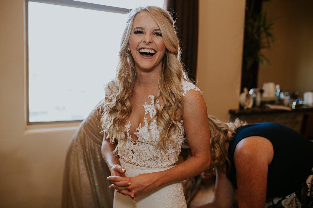 Meg+Bubba_Wedding_GettingReady_Arizona-400.jpg