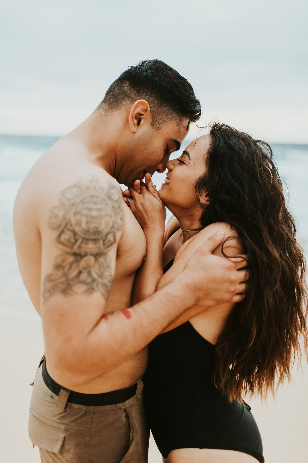 Jenize_Eduardo_Oahu_Hawaii_Couple_Session-44.jpg