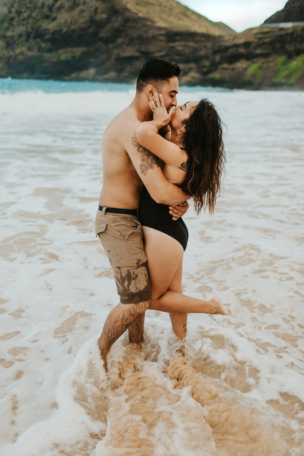 Jenize_Eduardo_Oahu_Hawaii_Couple_Session-23.jpg