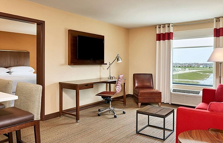 Four_Points_Sheraton_Fargo_ND_0003.jpg