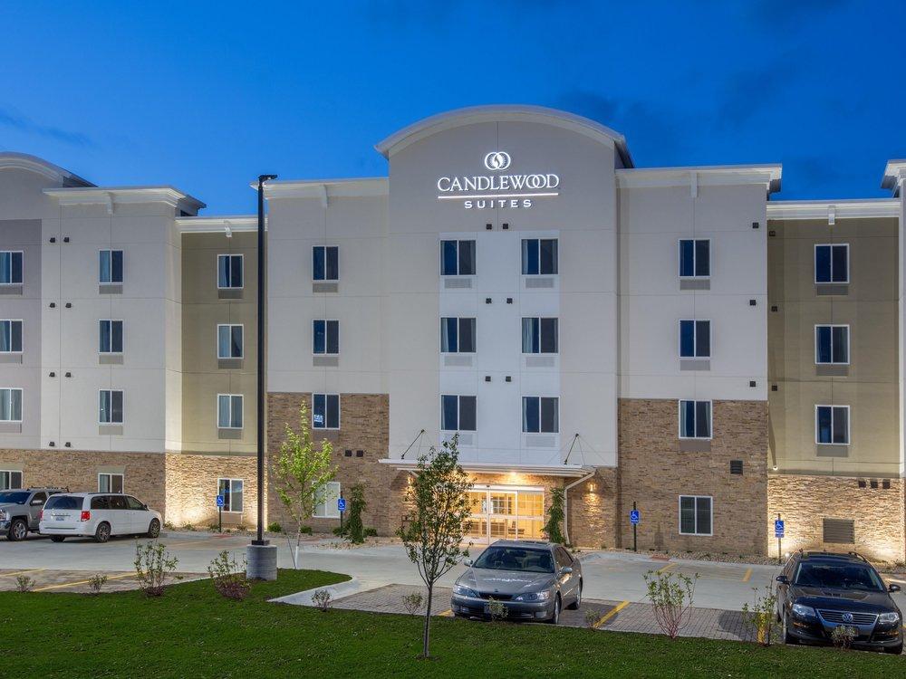 candlewood-suites-omaha-5073863154-4x3.jpg