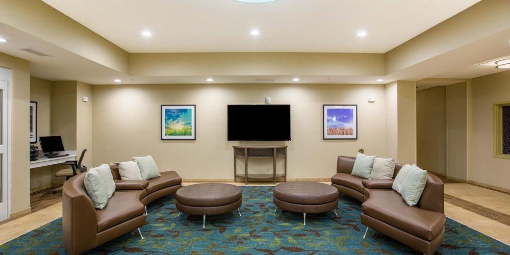 candlewood-suites-omaha-5073863490-2x1.jpg