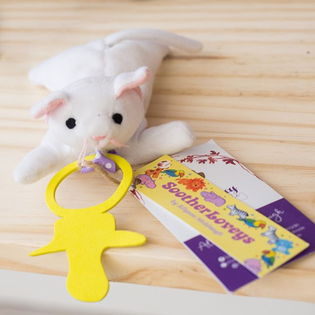 What's more comforting that a furry friend? Little Lovey Handmade creates these cute Soother Loveys in her Port Hope studio. This little kitty hangs out on your babe's soother and keeps it nearby, while providing comfort and stimulation for wee hands. Adorbs!⁣ ⁣ ⁣ .⁣ .⁣ .⁣ .⁣ .⁣ .⁣ .⁣ .⁣ #babywearing #babyshower #makersgonnamake #makersofinstagram #creatorslane #abmcrafty #createeveryday #creativityfound #shoplocal #buylocal #madelocal #madelocally #locallymade #givingback #creativelife #artisans #makersgonnamake #makersofinstagram #creatorslane #abmcrafty #createeveryday #handcrafted #handmade #wemakecollective #capturemycraft #happycrafting #handmadewithlove #buyhandmade #handmadeisbetter #creativityfound