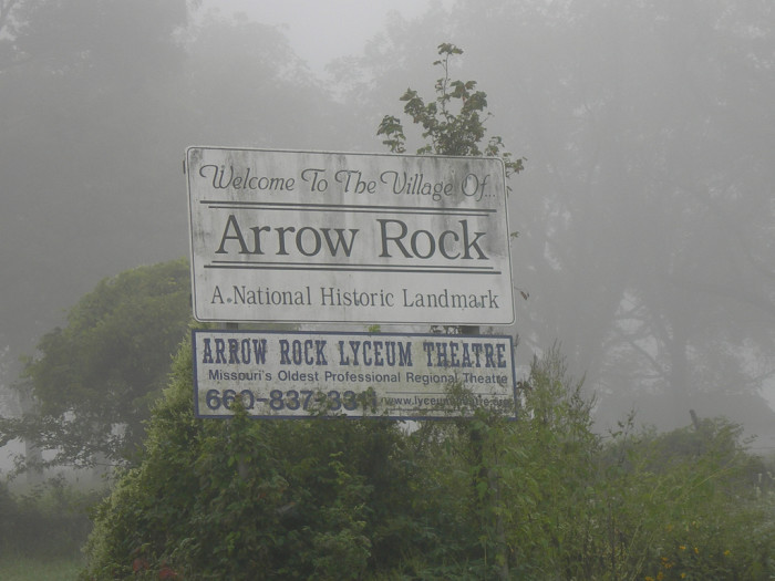 4.-Arrow-Rock-Sign-700x525.jpg