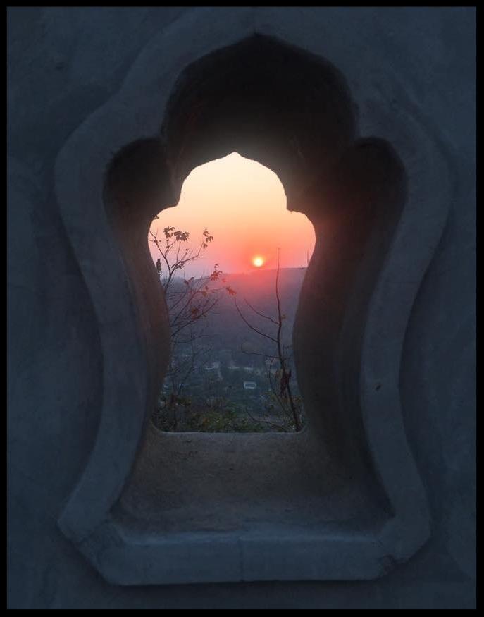 Sunset through keyhole.jpg