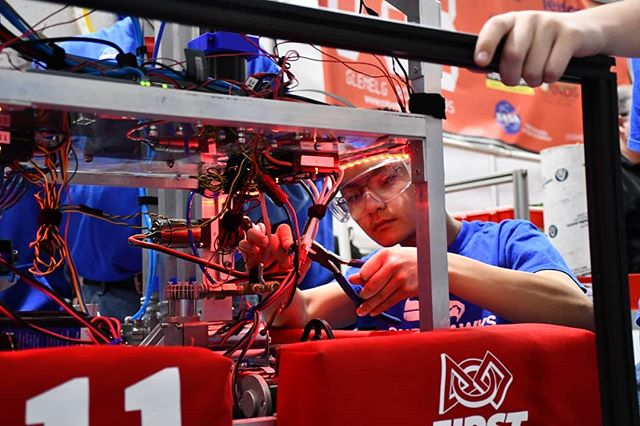 Huge Birthday Celebration goes out to @first_official_ for inspiring robotics and gracious professionalism in the Power Hawks and more than 72,000 teams around the world. Go FIRST! #FIRST30 #omgrobots #frc1111 #ftc3796 #ftc3583 #ftc5178
