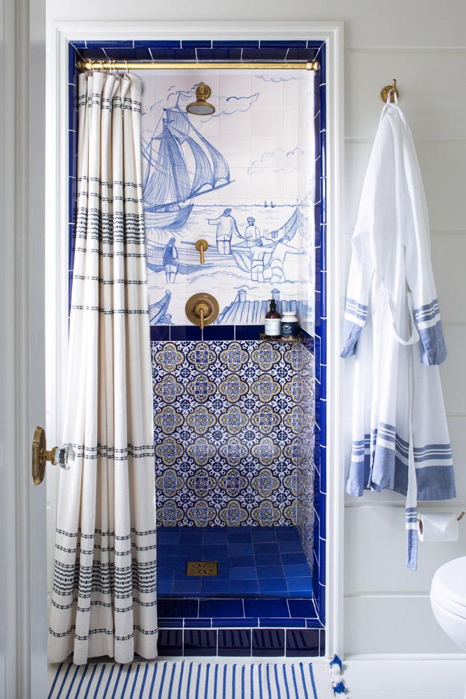 the_maryn_bathroom.jpg