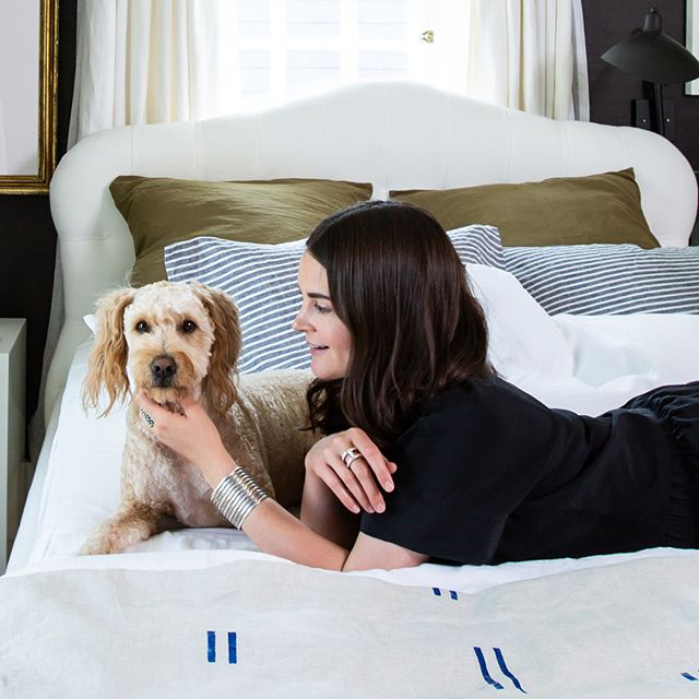 Productivity at The Maryn has come to a screeching halt, as Rufus and Michelle refuse to get out of her new bed. 😂 Tap the link in our bio to learn more about Michelle's new @saatva Zenhaven mattress and adjustable Lineal base! Comfort, technology and nature all rolled into one beautiful, perfect bed. 😴 #sponsored