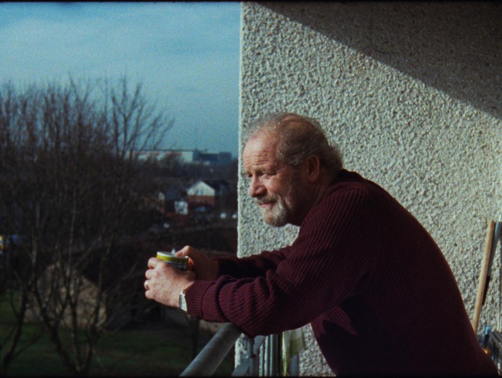 COMIC RELIEF  - 32 / PULSE FILMS FOR WONDERLAND STUDIOS