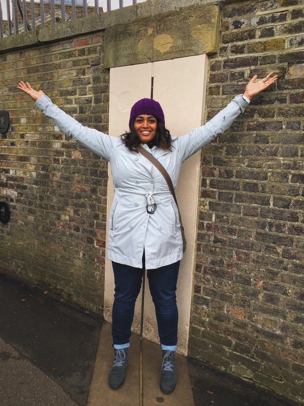 9 years later, I'm still being a tourist in London. Straddling the Prime Meridian (November 2015)